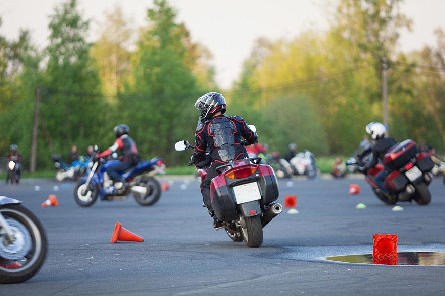 Consejos básicos para circular en moto por ciudad