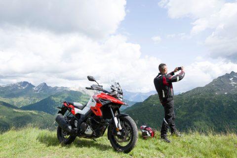 Ventajas y Desventajas de viajar en moto